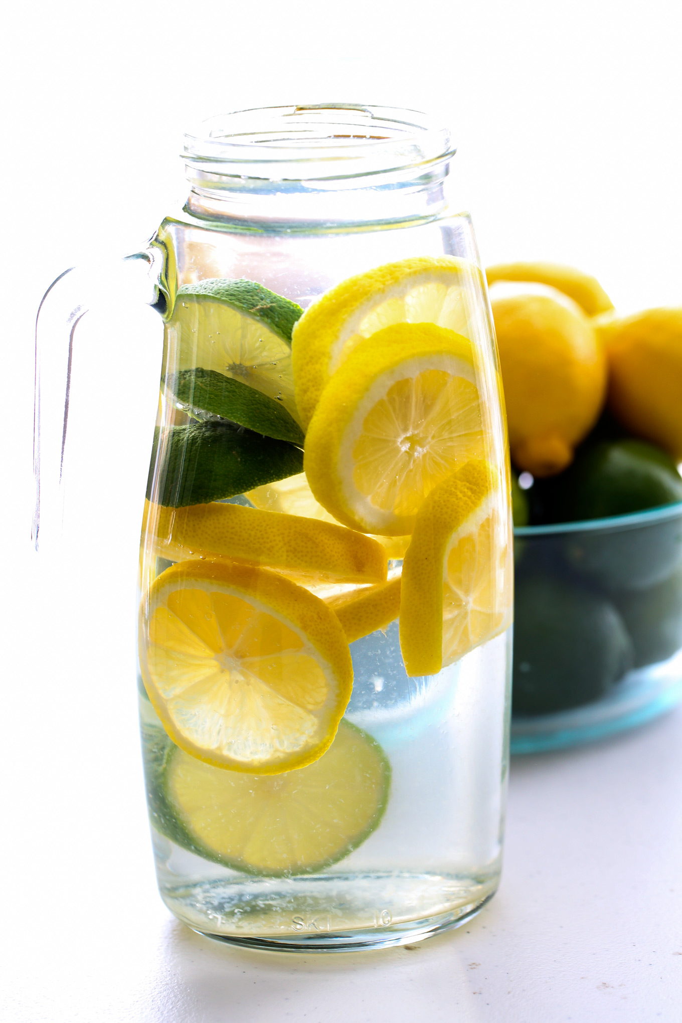 Nov 17,  · This great detox water not only rids your body of toxins but helps to flush fat from your body as well. Cucumbers are diuretics can help you to avoid water retention. Lemons and limes help to flush out toxins from your digestive tract and grapefruits help you to burn fat.
