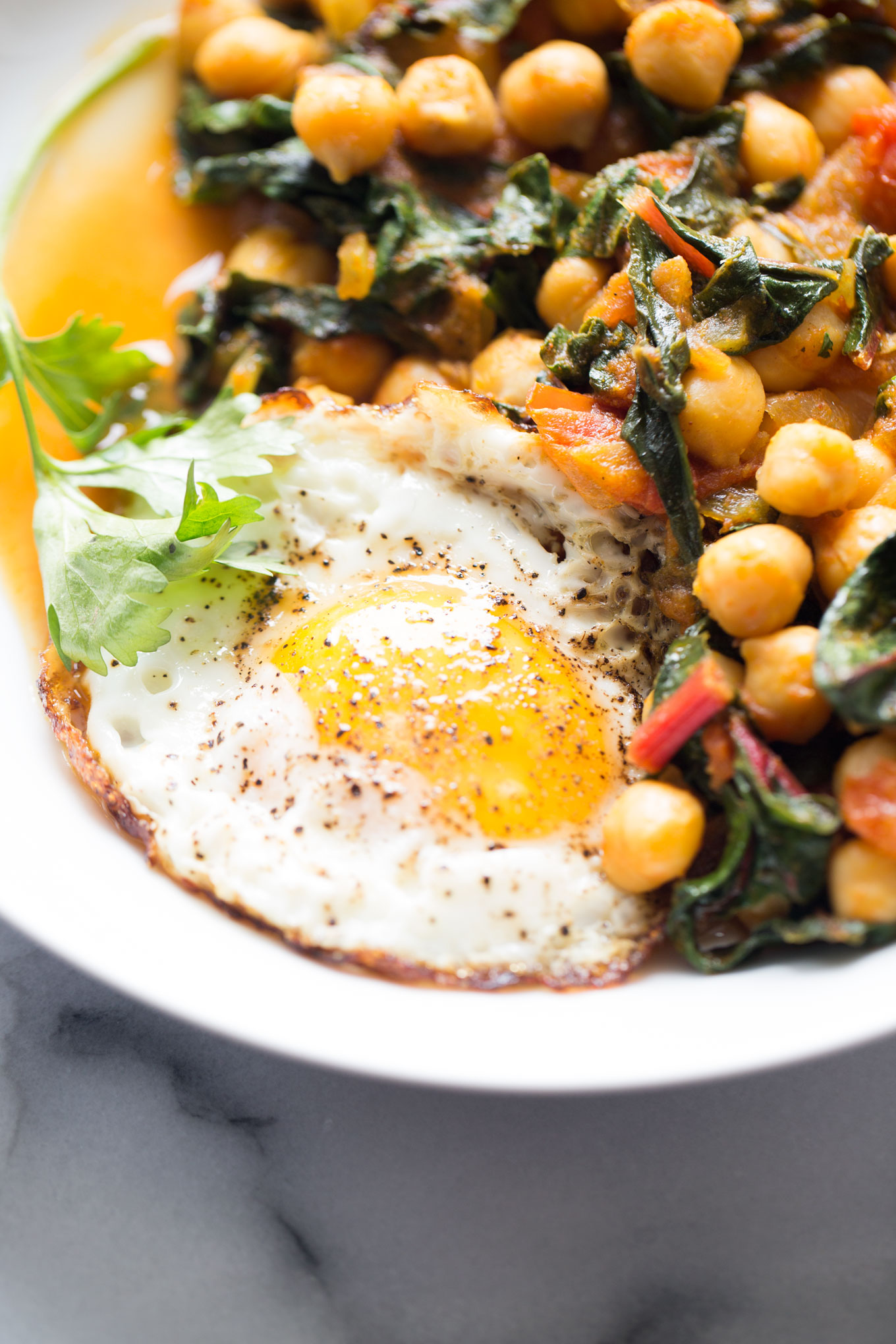CHICKPEA SKILLET WITH TOMATO AND SWISS CHARD | Taste of Yummy